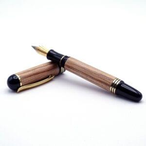 Penna stilografica in legno di ulivo